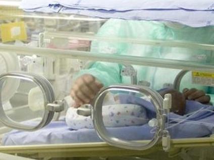 Trapianto a neonato in ospedale da 18 mesi Arriva un cuore da Bergamo, salvo