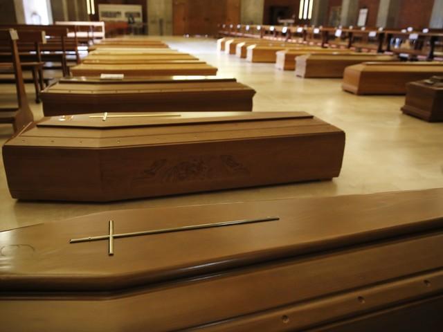 Covid-19, spoon river dei preti: sono 100 i morti nell'esercito di Dio