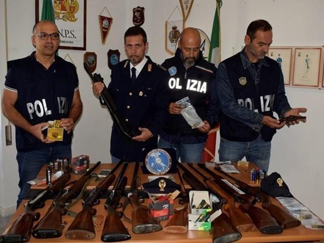 Terracina, spari verso i braccianti per farli lavorare di più: arrestato 35enne