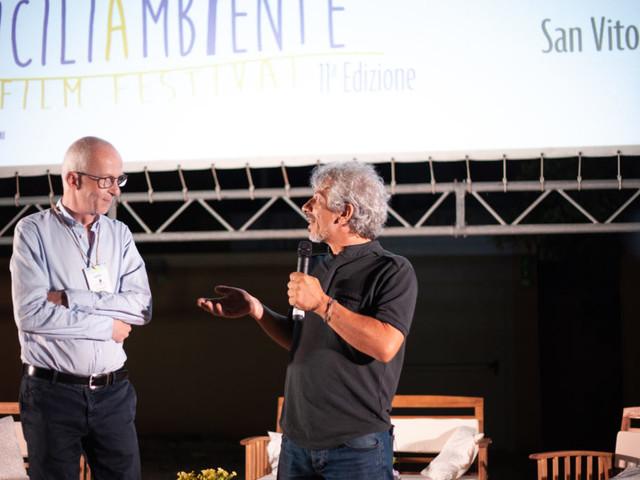 Il festival di cinema che pulisce le spiagge: a San Vito Lo Capo la plastica raccolta diventa arte