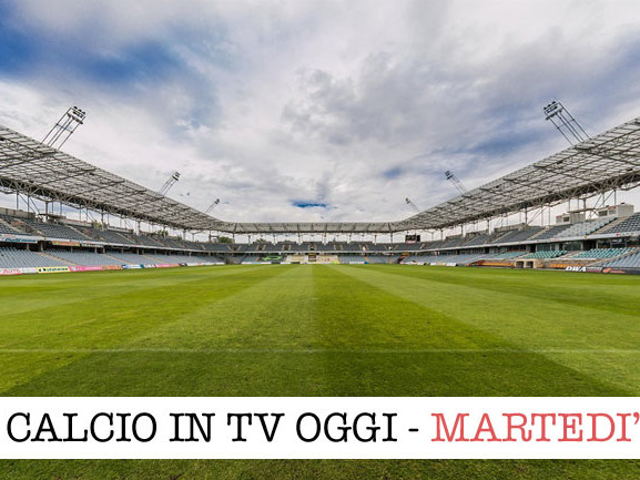 Calcio in tv: Napoli e Inter scendono in campo per la Champions League