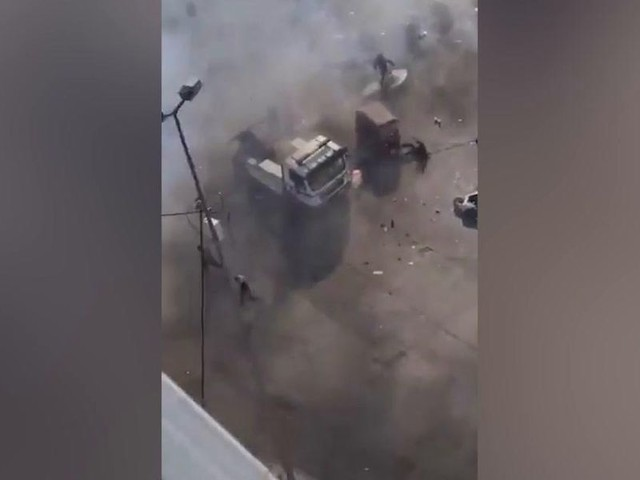 Iraq, attentato suicida nel centro di Baghdad: almeno 13 morti | video