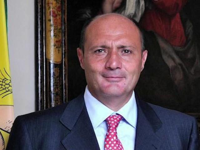 """""""Aprite i posti letto Covid o finiamo in zona rossa"""", caos su dirigente della Regione Sicilia"""