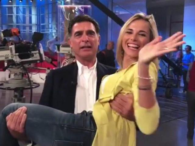 Francesca Fialdini in lacrime abbraccia Tiberio Timperi: il finale inaspettato de La Vita in diretta