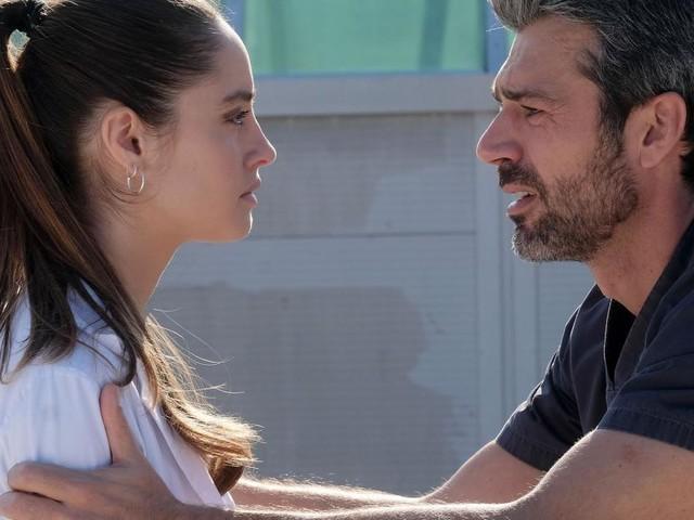 Anticipazioni Doc Nelle tue mani 29 ottobre: Agnese chiede ad Andrea cosa c'è con Giulia