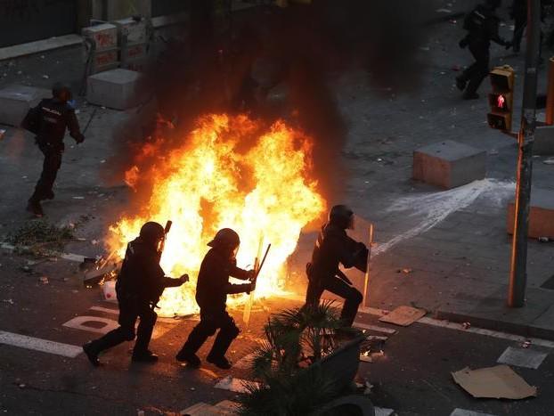 Catalogna: secondo agente ferito