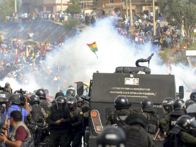 """Otto morti in scontri in Bolivia, Morales: """"Fermate massacro"""""""