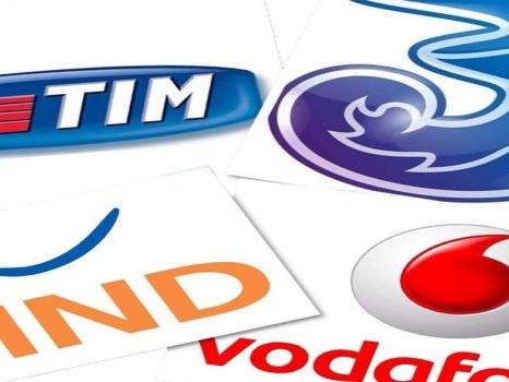 Non solo Vodafone: ecco i piani base a pagamento di TIM e 3 Italia