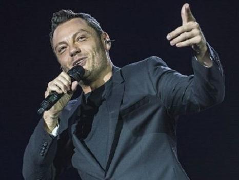 Tiziano Ferro alla finale di X Factor 2017: annunciati gli ospiti del 14 dicembre