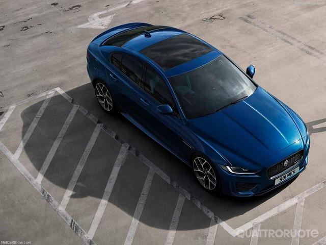 Jaguar XE - Nuovo look per la berlina