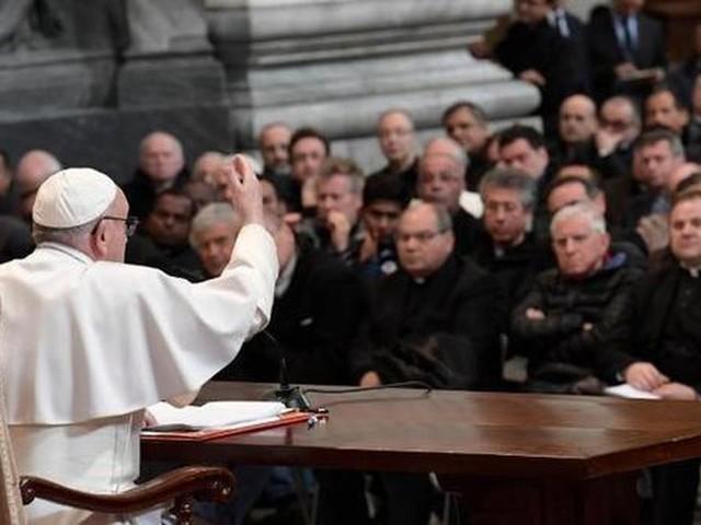 Quanto guadagnano preti, sacerdoti e Papa Francesco? Rimarrete sorpresi delle cifre