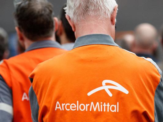 ArcelorMittal annuncia la cassa integrazione per 3.500 lavoratori dopo lo stop all'altoforno 2