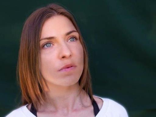 """Loredana Errore: in arrivo il nuovo album """"C'è vita"""" per celebrare i 10 anni di carriera"""