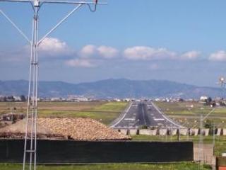 Valigia piena di gioielli, denunciato un uomo a Reggio E' stato fermato prima di imbarcarsi su un aereo