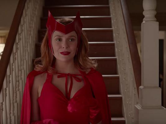 Elizabeth Olsen promette una Scarlet fedele ai fumetti in WandaVision