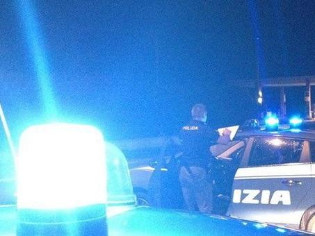 Neopatentato ubriaco al volante, per scappare tenta di investire un poliziotto