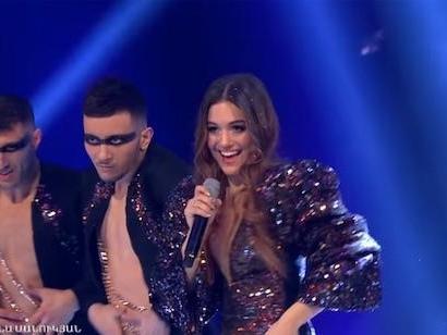 Eurovision 2020: video, testo e traduzione di Chains on you di Athena Manoukian