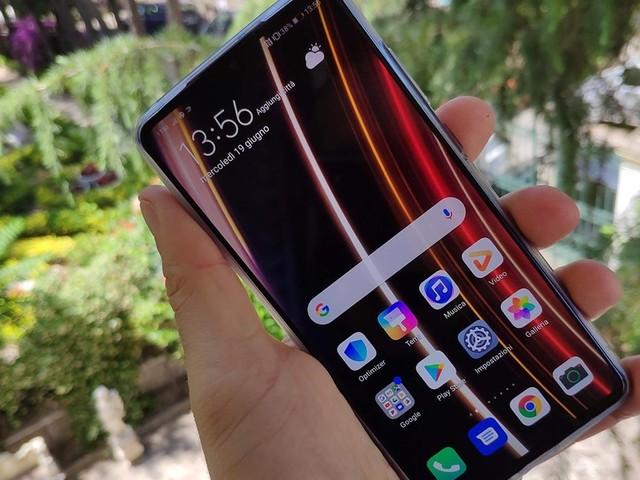 Subito una novità extra per Huawei P30 con beta EMUI 11 sui temi