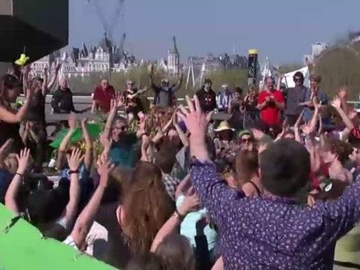 Clima, Londra: continua la protesta di Extinction Rebellion