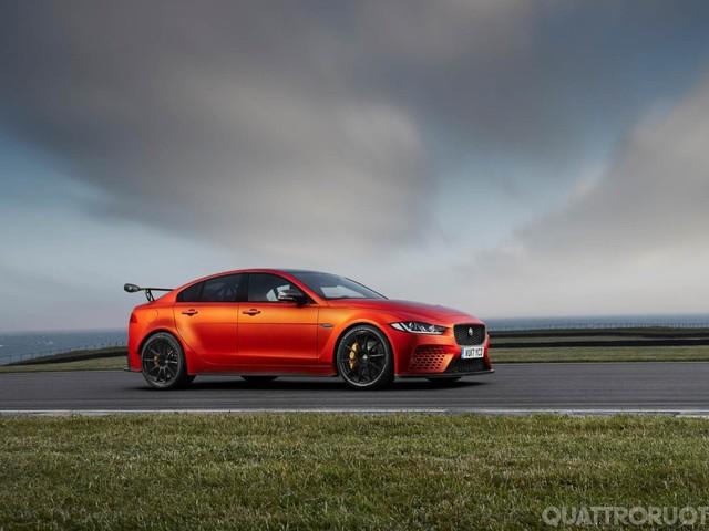 Jaguar XE SV Project 8 - A Goodwood la più estrema delle berline sportive