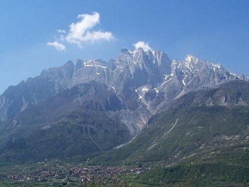 Valcamonica: incisioni rupestri, itinerario nella natura