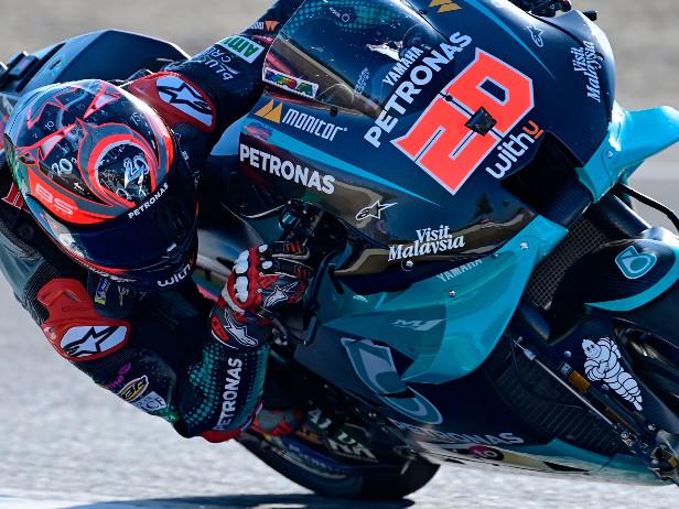 MotoGP, GP Catalunya. Le prove libere 3: 1° Quartararo, 8° Valentino Rossi, 13° Dovizioso