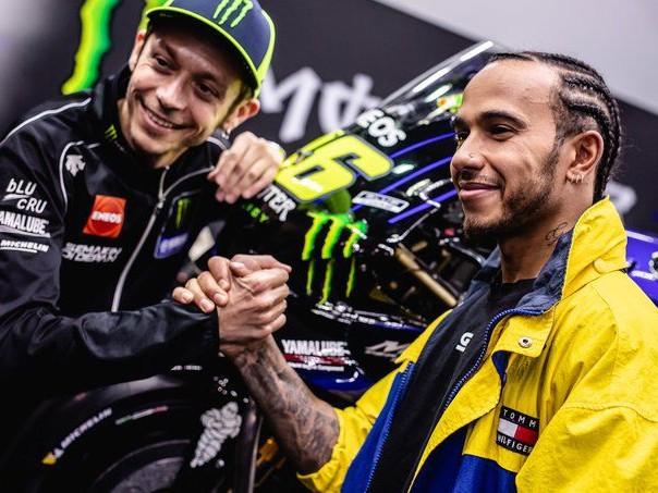 F1 e MotoGP: scambio di mezzi tra Hamilton e Rossi a Valencia