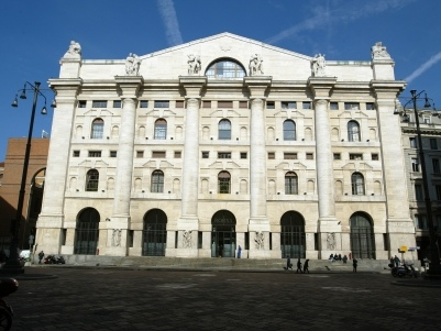 Piazza Affari corre con l'Europa. Londra cauta in attesa della Bank of England