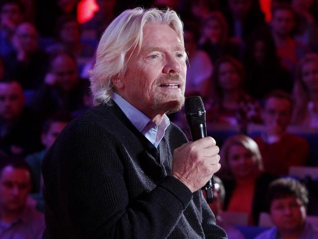 """Sudafrica, Richard Branson nella bufera per una sua foto """"razzista"""""""