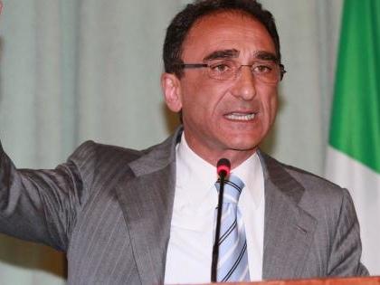 Inchieste su multe: rinviato a giudizio sindaco Abramo