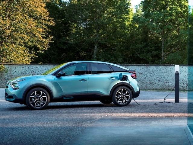 La gamma in Italia di Nuova Citroën C4 e Nuova Citroën ë-C4 – 100% ëlectric