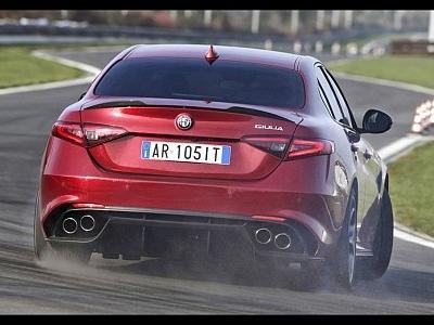 Alfa Romeo e i records al Nurburgring. Un po' di storia non guasta