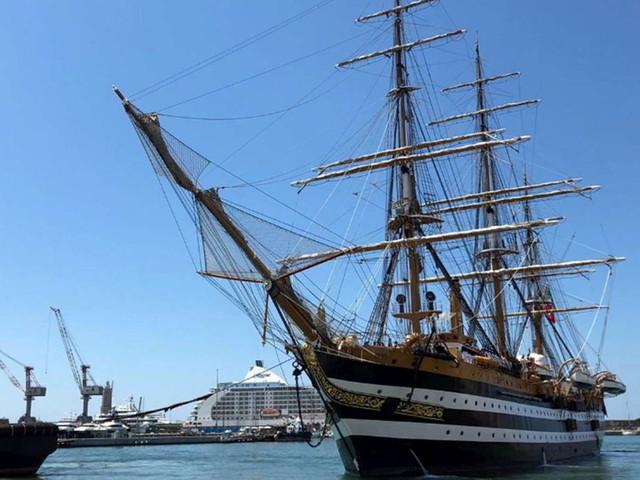 Covid, Marina militare: positivi 20 membri dell'equipaggio dell'Amerigo Vespucci