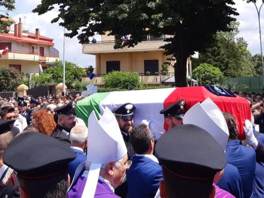Nessuno spazio per le polemiche al funerale del vicebrigadiere Cerciello