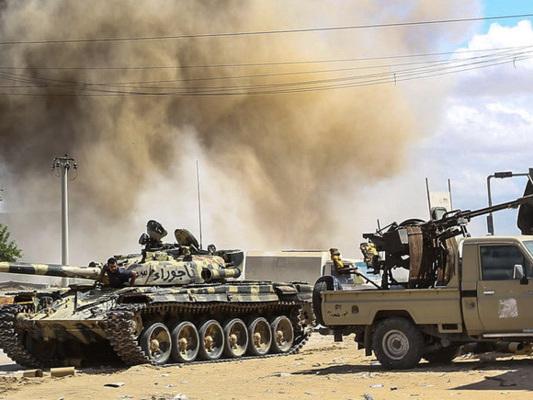 Chi sta contro chi nella Libia lacerata da milizie, tribù e interessi stranieri