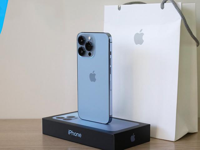Arrivano gli iPhone 13 ma non per tutti… Slittano molte consegne