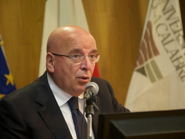 """Calabria, il sindaco forzista spodestato da una """"congiura"""" del Pd"""