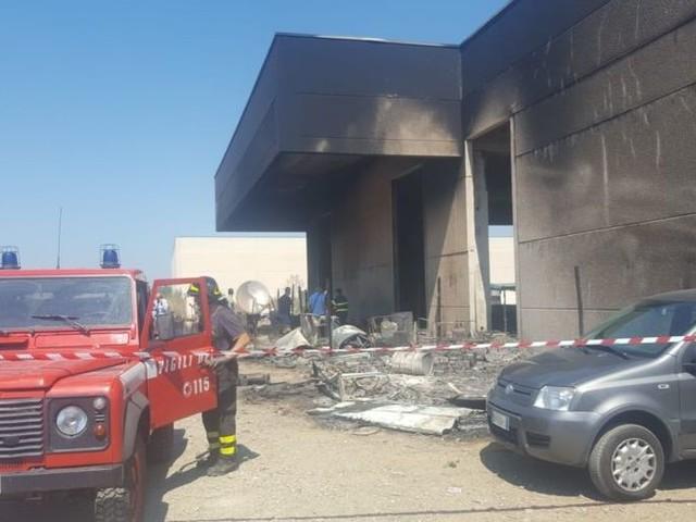 Incendio nel capannone, muore migrante in Basilicata