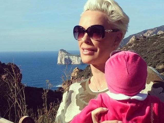 Brigitte Nielsen mamma a 54 anni: «Avevo il 2% di possibilità, ci ho provato fino all'ultimo embrione»