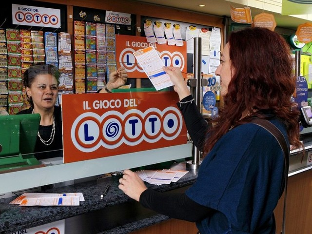 Estrazione Superenalotto e Lotto: i numeri vincenti estratti oggi 12 settembre