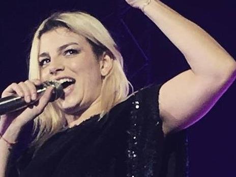 """Emma ferma il concerto a Reggio Calabria per una proposta di matrimonio: """"Qualcuno sta morendo?"""""""