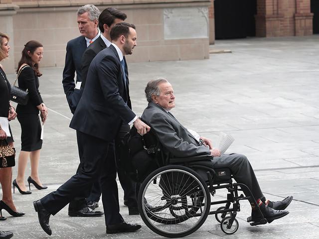 L'ex presidente degli Stati Uniti George H.W. Bush, 93 anni, è stato ricoverato in ospedale