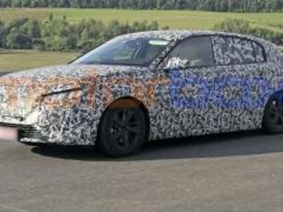 Primi spy shot della nuova Peugeot 308 2021. Cosa c'è sotto?
