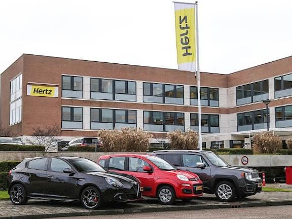 Felice anniversario! In Olanda FCA ed Hertz celebrano 40 anni di collaborazione