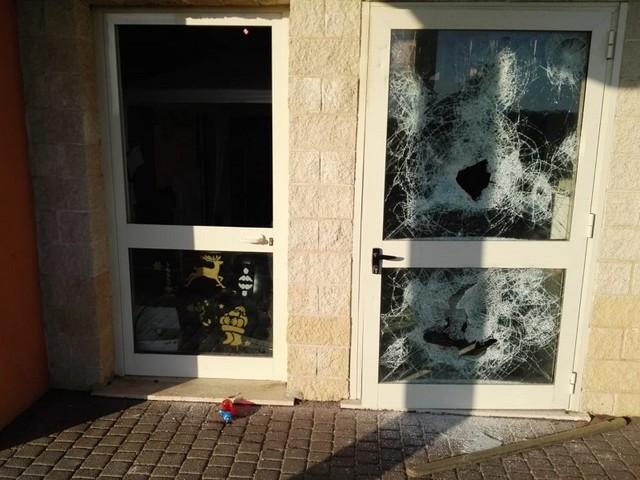 Fiumicino - Ennesimo atto di vandalismo nella scuola di Passoscuro