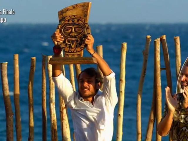 """""""L'Isola dei Famosi"""" 2021: Awed è il vincitore, seconda Valentina Persia"""
