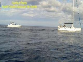 Intercettato veliero in mare con 55 immigrati Nel Reggino arrestati in flagranza i tre scafisti