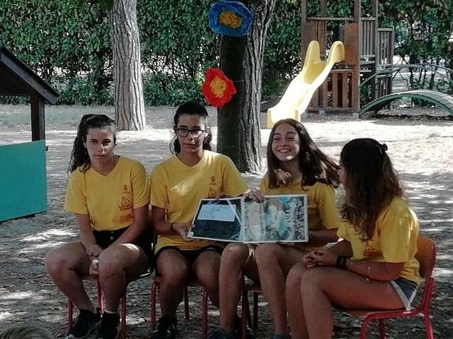"""Lavori in Comune 2018: le letture """"modificate"""" incantano i bambini nella scuola Monti"""