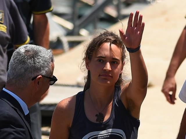 Sea Watch: il gip non convalida l'arresto, Carola è libera. L'ira di Salvini