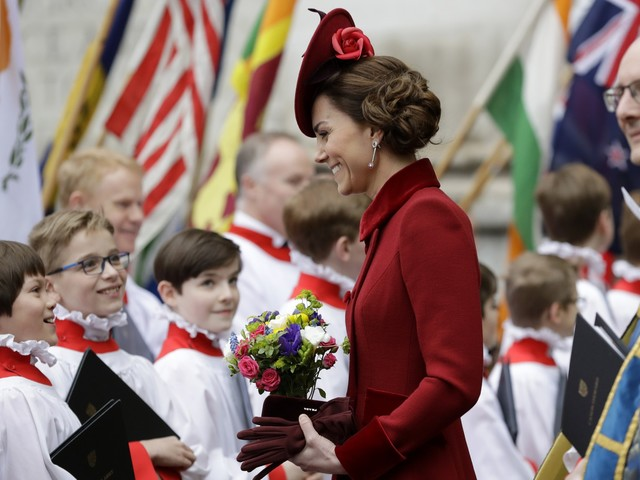 Kate Middleton avvistata al centro commerciale con i figli